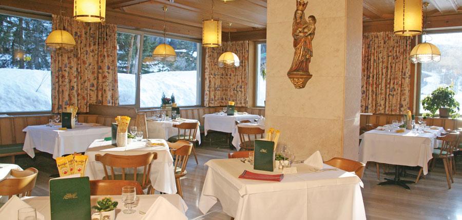 italy_dolomites_corvara_hotel-la-plaza_dining-room.jpg
